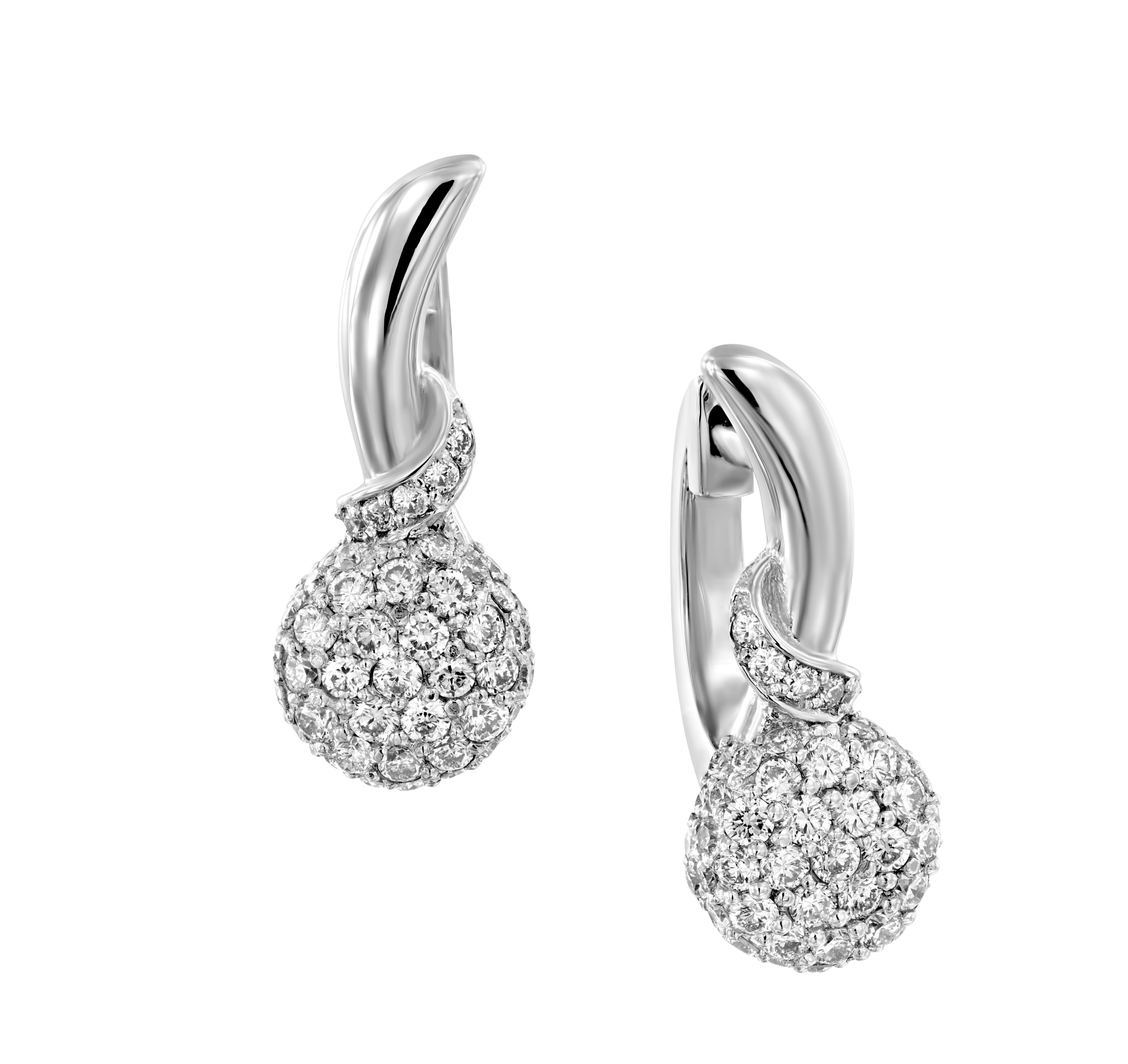 עגילי יהלומים דגם Thai ב-35% הנחה